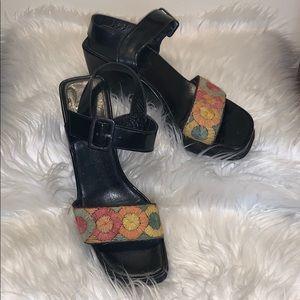 Robert clergies vintage plastafoma sandals 👡